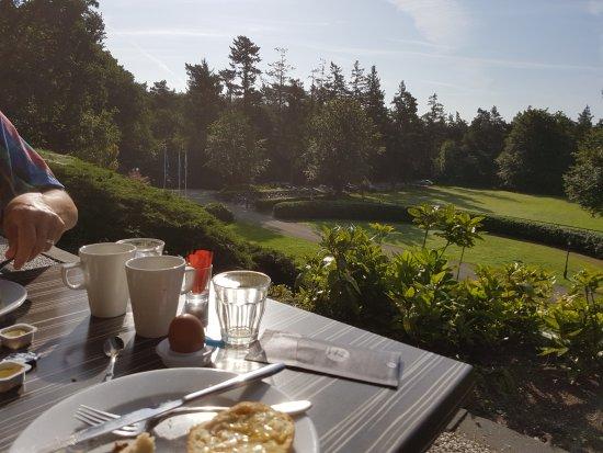 Beekbergen, Belanda: Ontbijten in een heerlijk ochtendzonnetje.
