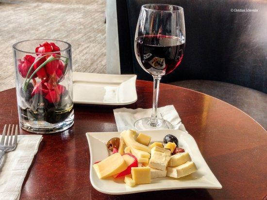 Hilton Atlanta: Executive Lounge