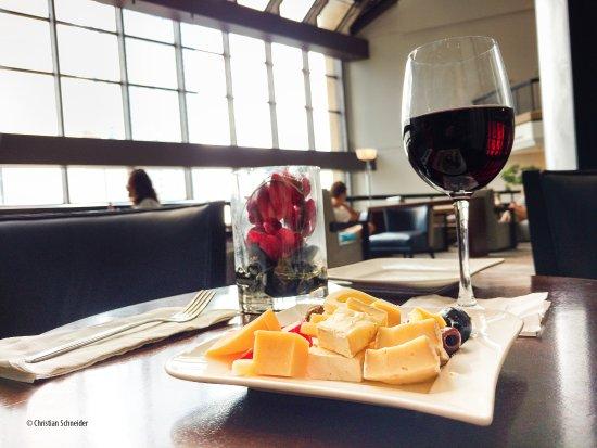 Hilton Atlanta: Executive Lounge - Happy Hour - hors d'oeuvre