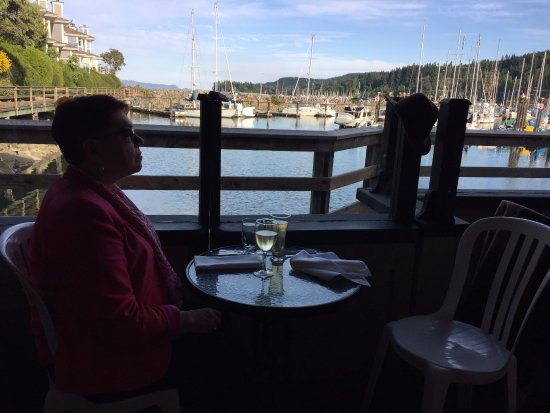 Auntie Pesto's Cafe: The view from Auntie's deck