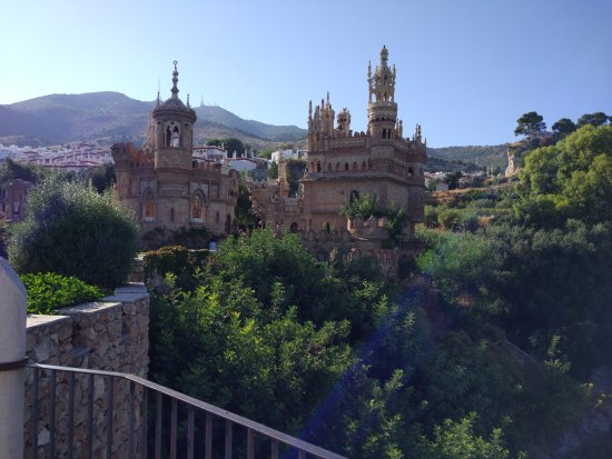 Castillo de Colomares: Vistas del castillo de Colomares