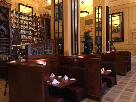 Pierpont's at Union Station: WOW What a Bar