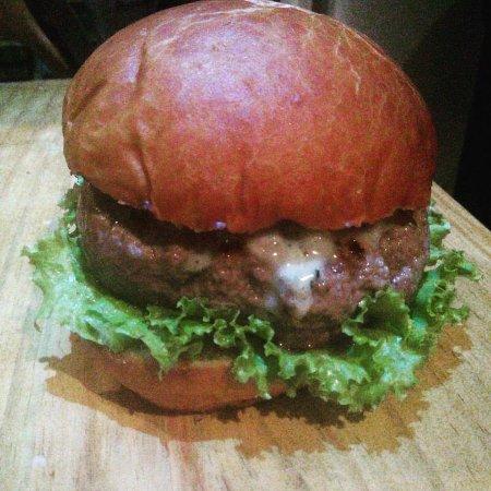 Morere, BA: Burguer Rock..yeah!!!!! 160 gr. De 100% picanha, pão francês..e muito amor pelas coisas bem feit