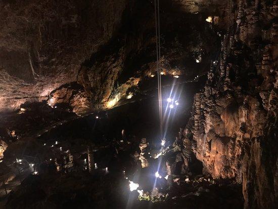 Grotta Gigante: La meraviglia. Fabio Cremona ( il presidente)