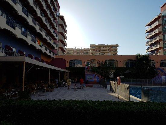 Hotel Monarque Fuengirola Park: TA_IMG_20170723_194740_large.jpg
