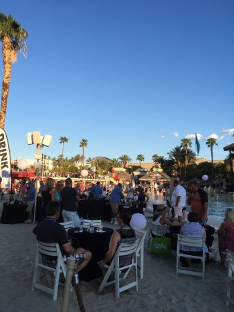 Mandalay Bay Beach: photo5.jpg