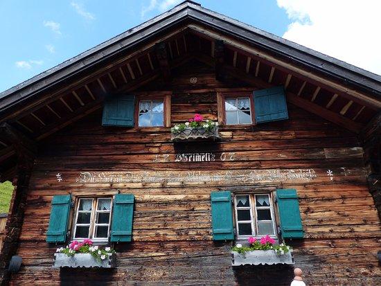 Langwies, Svizzera: 300 jähriges Walserhaus mit urchigem Bergscharme ein einem einsamen Bergtal Nähe Arosa
