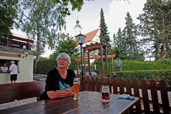 Wemding, Alemania: Biergarten mit Atmosphäre
