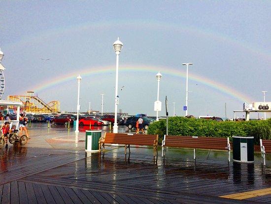 Ocean City Boardwalk: Fun even in the rain! Saw a double rainbow!