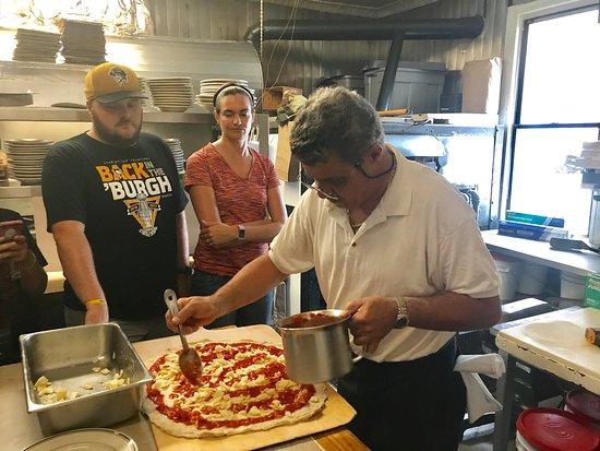 Scott's Pizza Tours: photo2.jpg