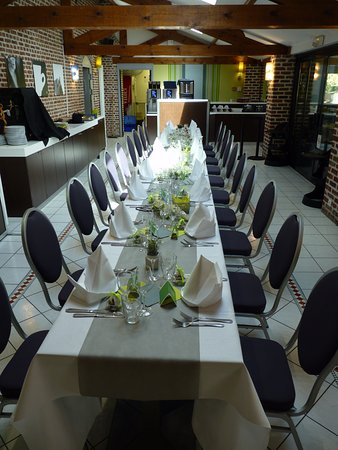 Ennevelin, France: Table réservée pour noce de diamants (60 ans de mariage)