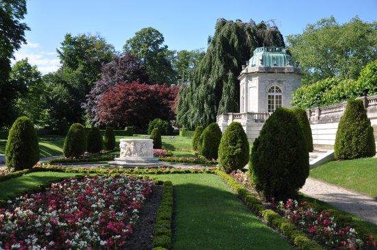 The Elms - Sunken Garden