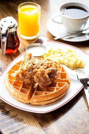 Tysons Corner, VA: Breakfast Chicken and Waffles