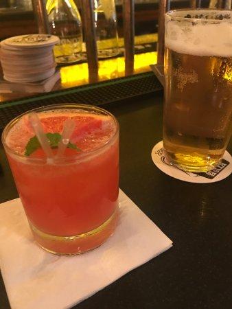 Dakota Bar: photo1.jpg