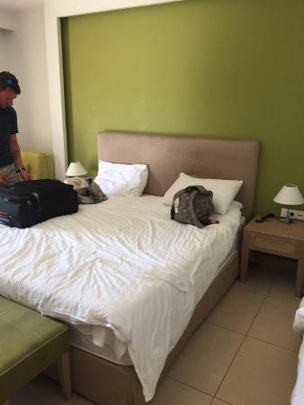 Atlantica Eleon Grand Resort & Spa: Ground floor superior family room