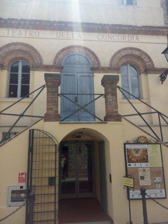 Monte Castello di Vibio, Italië: Facciata