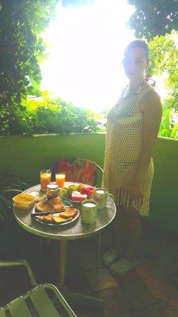 Bamboo Flat: El balcón es muy cómodo para desayunar o hacer tus comidas preferidas.