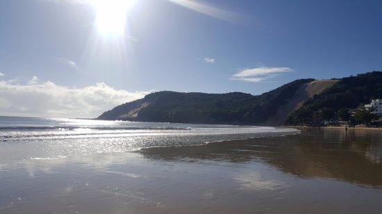 Bamboo Flat: Amanecer típico, es lo primero que encontraras al bajar a la playa desde el comienzo del día.