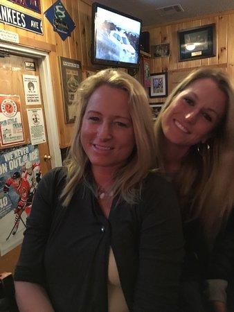 Rozzi's Lakeshore Tavern: photo2.jpg