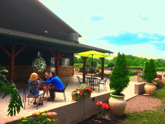 Lockport, État de New York : Great spot to relax after the tour