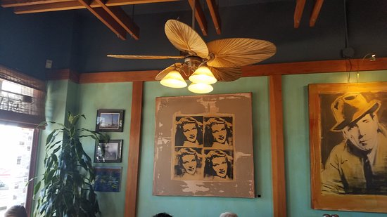 Seal Beach, CA: Bogart's Coffee House
