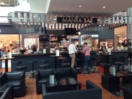 Wallisellen, Switzerland: Le Manta Bar  sous différents angles