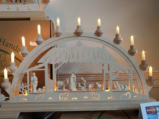 New Oxford, Pensilvanya: Schwibbogen Tyrolian Nativity Price $305.00