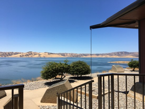 Gustine, Californie : overlooking San Luis reservoir at the Romero Visitors Center