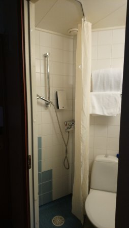 Vantaa, Finland: Very tight shower cabin