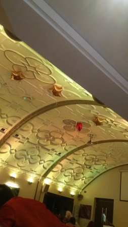 Eastcote, UK: Arch ceiling design of Venue 5's Banqueting Hall