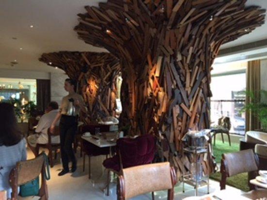 New Hotel: Breakfast area