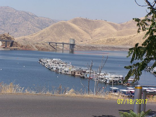 Lemon Cove, Kalifornien: Marina and dam