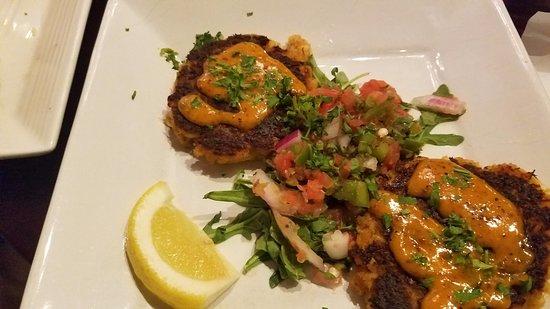 Senoia, جورجيا: super yummy crab cakes