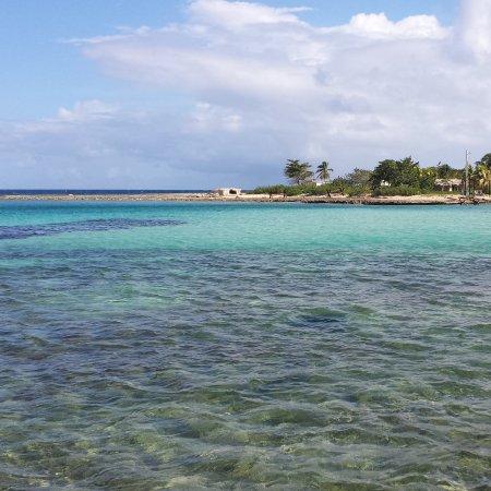 Puerto Padre, Cuba: Playa la Herradura, Las Tunas, Cuba / info: pacyssima@gmail.com/ instagram: @pacyssima