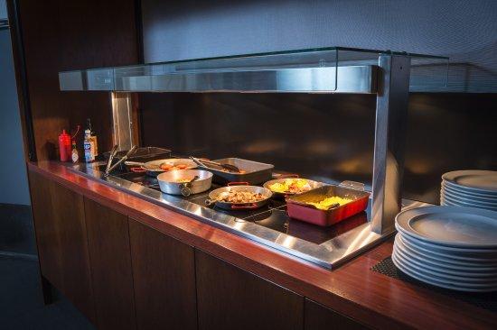 West Plaza Hotel: Breakfast Buffet