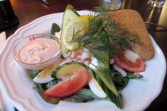 Salat Med Rejer Picture Of Restaurant Gl Daws Varde Tripadvisor