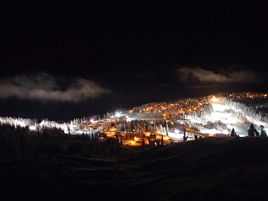 Silver Star, Kanada: SilverStar Ski Resort from night snowmobile dinner tour