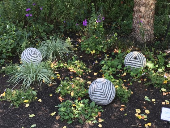 Wellesley, MA: Sculpture in the Gardens