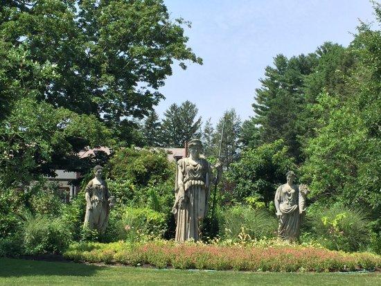 Wellesley, MA: Goddess Garden