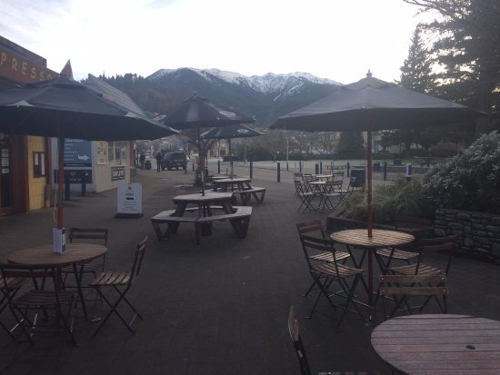 Hanmer Springs, New Zealand: Look at that view