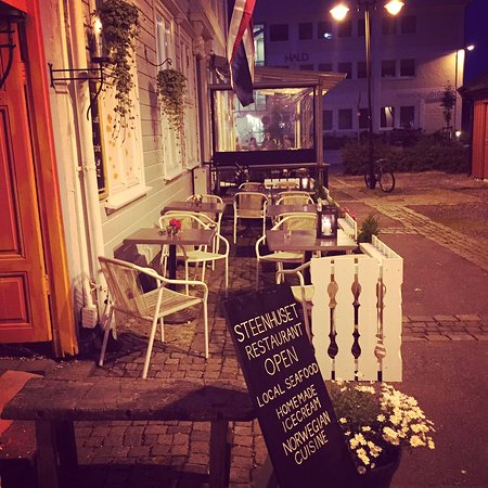 Arendal, Noruega: Outdoor seating