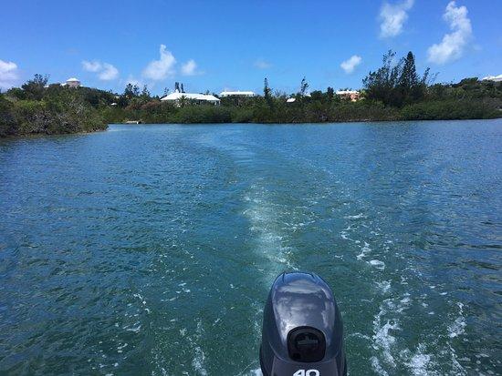Sandys Parish, Islas Bermudas: Hobie cat and motor boat from H2O water sports