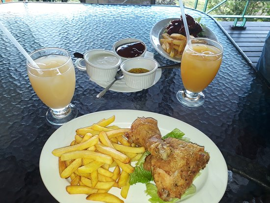 Salybia Nature Resort & Spa: food from snack bar available during and after lunch...