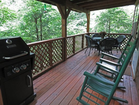 Lake Toxaway, NC: Raccoon Loft Front Porch