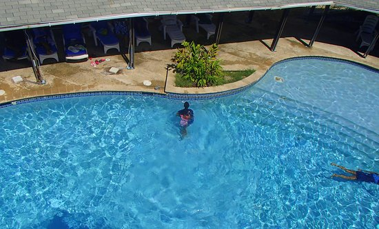 Salybia Nature Resort & Spa: pool view from above...also children friendly