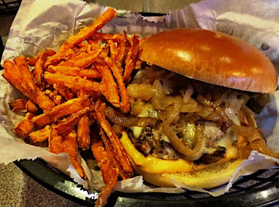 Pittsfield, MA: Liked the sweet potato fries
