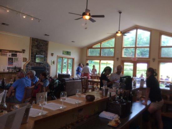 Madison, Вирджиния: DuCard Vineyards