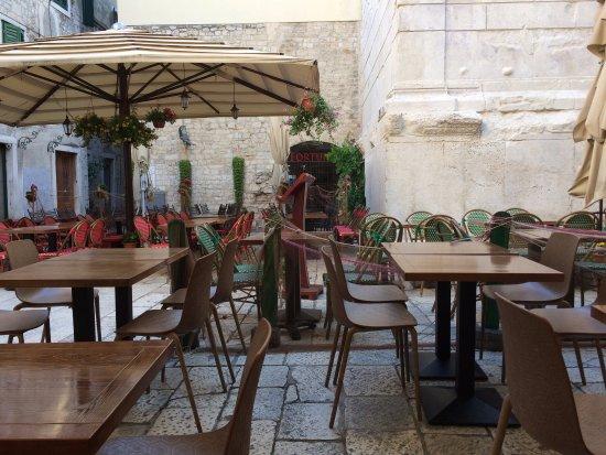 Palace Judita Heritage Hotel: área do café da manhã
