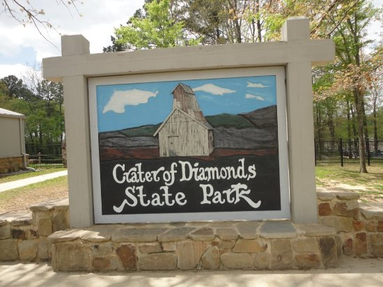 Crater of Diamonds State Park: Front sign