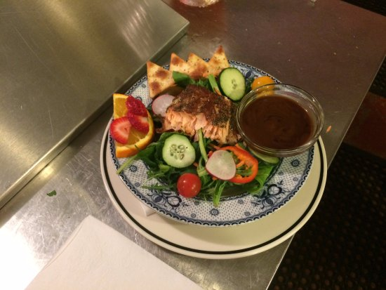 Sherman, TX: Smoked Salmon Salad